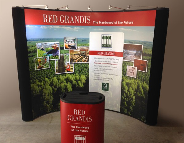 Red Grandis Tradeshow Booth Design